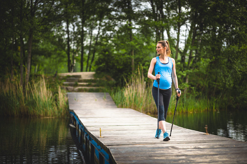 rester-en-forme-faire-du-sport-femme-enceinte-marche-rapide-beatrice-debordeau-sophrologue-coach-de-vie-paris-15.jpeg